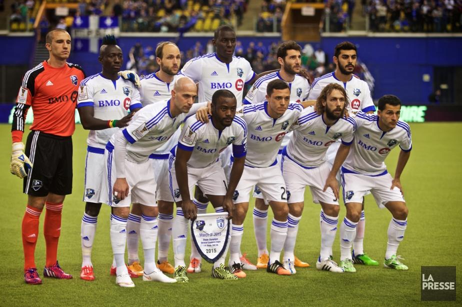 Les joueurs de l'Impact avant le match contre... (Photo André Pichette, La Presse)