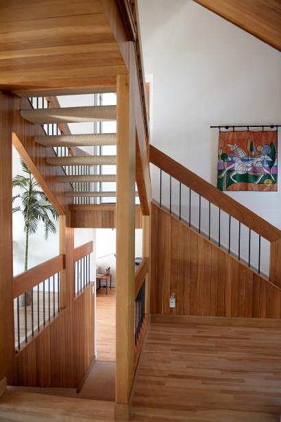 L'imposant escalier-passerelle de la résidence à paliers multiples (Le Soleil, Erick Labbé)