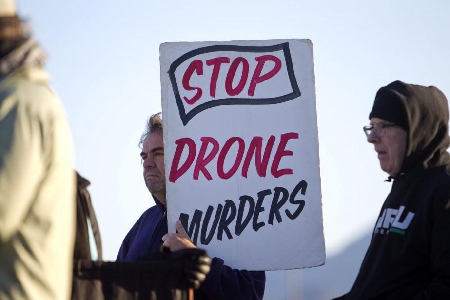 Une manifestation antidrones s'est tenue hier à la... (PHOTO STEVE MARCUS, AFP)