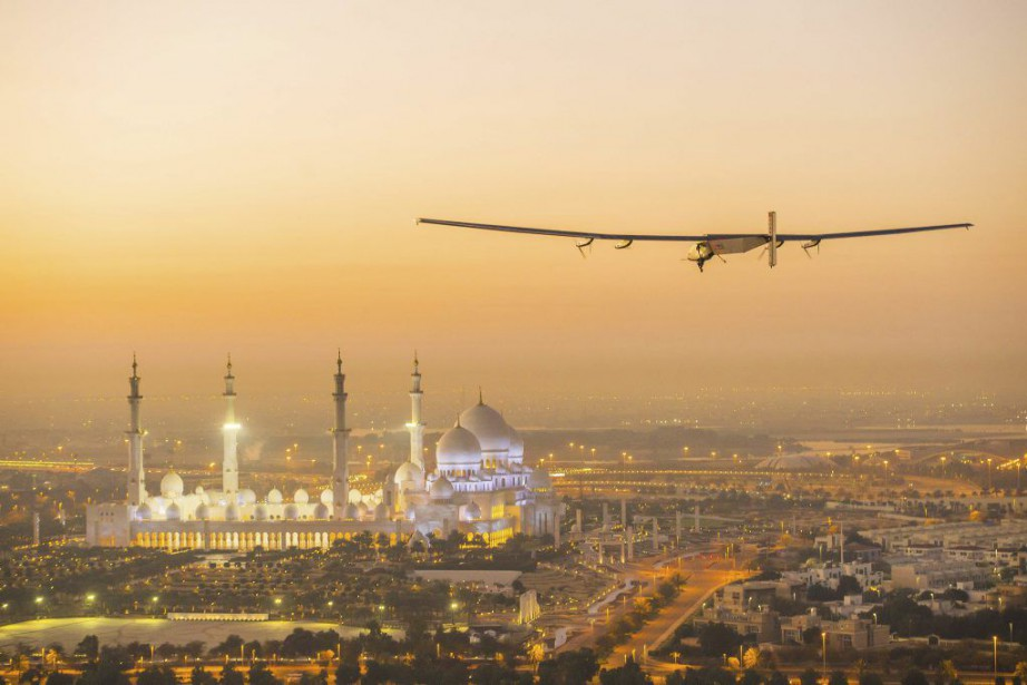 L'avion, baptisé SI2 (Solar Impulse 2), est propulsé... (PHOTO AFP/SOLAR IMPULSE)