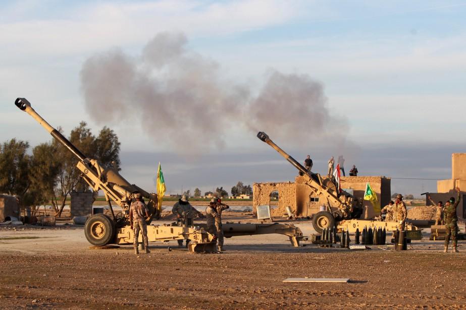 Depuis six mois, les forces fédérales, aidées au... (PHOTO AHMAD AL-RUBAYE, AFP)
