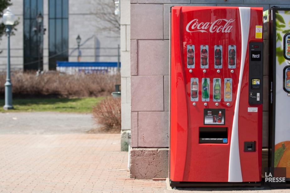 Une machine distributrice installée au Vieux-Port de Montréal.... (PHOTO DAVID BOILY, ARCHIVES LA PRESSE)