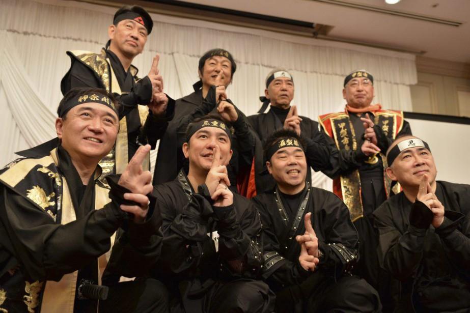 Les gouverneurs et maires des préfectures de Mie,... (PHOTO YOSHIKAZU TSUNO, AFP)