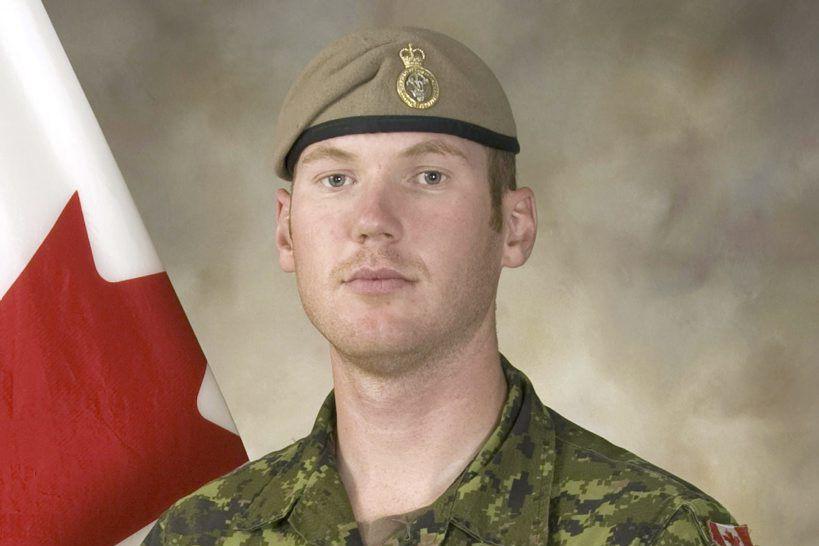 Andrew Joseph Doironest le premier à perdre la... (PHOTO FOURNIE PAR L'ARMÉE CANADIENNE)