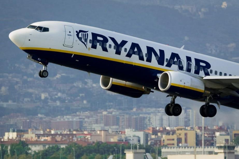 La compagnie aérienne Ryanair espère transporter jusqu'à 18... (PHOTO ARCHIVES AFP)