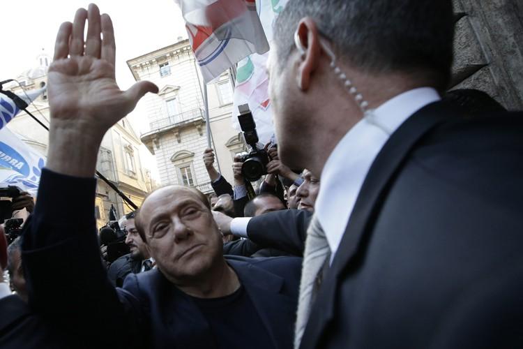 Après son acquittement mardi, Silvio Berlusconi a déclaré... (Photo: AP)