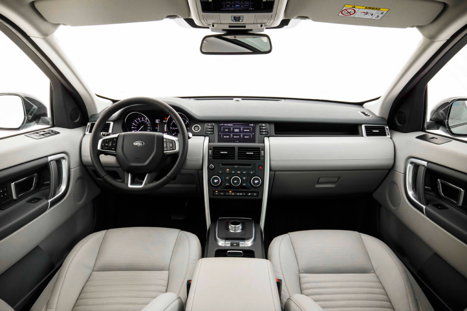 Land rover discovery sport en fait il trop ric for Golf interieur montreal