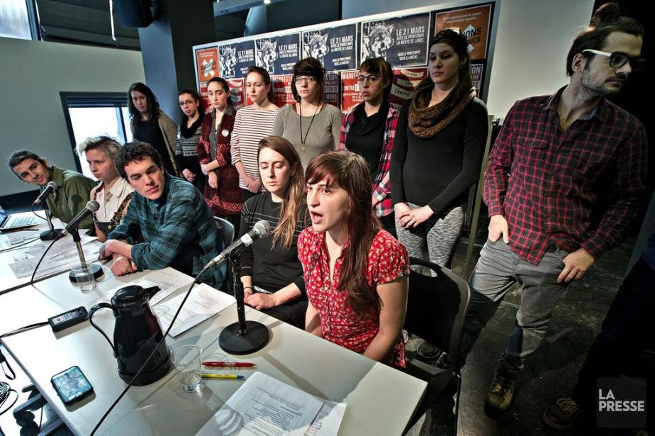 Des représentants de diverses associations étudiantes annoncent une... (PHOTO PATRICK SANFAÇON, LA PRESSE)