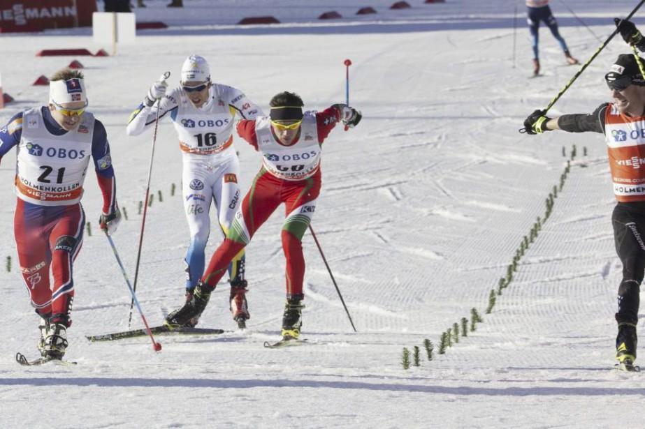 SjurRoethe a étiré son ski juste assez pour... (PHOTO TERJE BENDIKSBY, AFP)