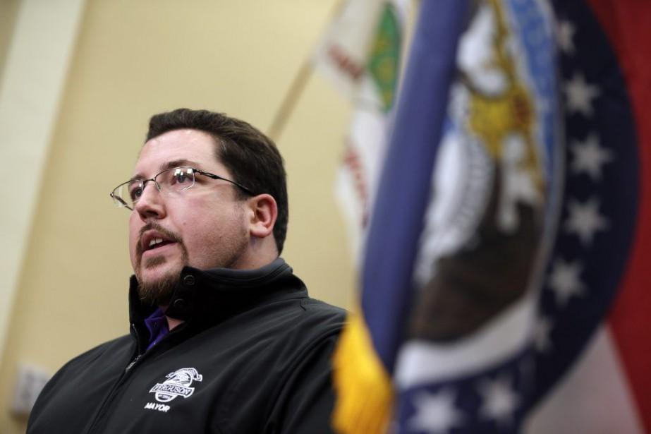 Le maire de Ferguson James Knowles a exclu... (Photo Jeff Roberson, Archives AP)