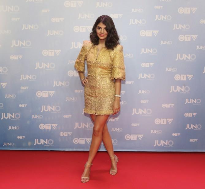 Nikki Yanofsky prend la pose sur le tapis rouge. (La Presse Canadienne)