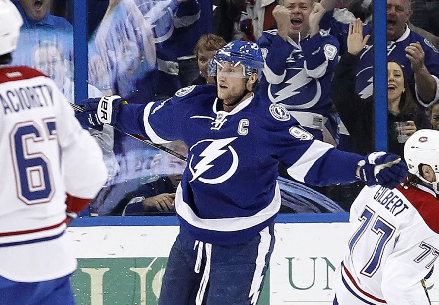 Steven Stamkos a terminé le match avec deux buts et une mention d'aide. (Photo Kim Klement, USA TODAY Sports)