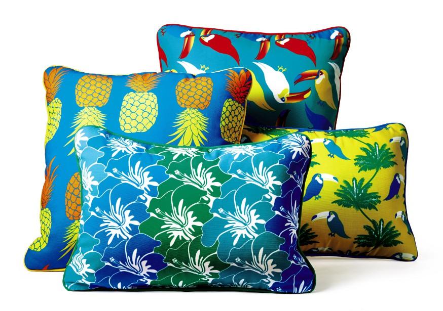 Des coussins inspirés des tropiques et traités contre les rayons UV de la collection Brasilia! Brights (Photo fournie par La Baie d Hudson)