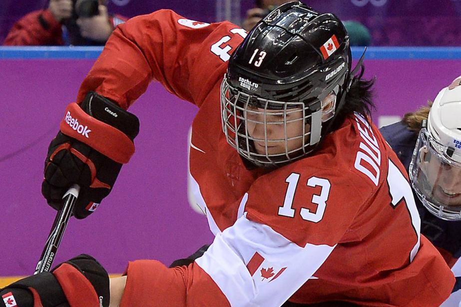 Caroline Ouellette était la capitaine d'Équipe Canada aux... (Photo Jung Yeon-Je, archives AFP)