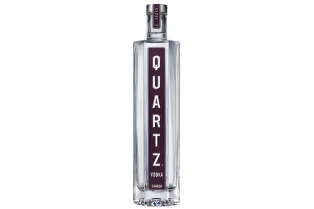 <strong>Chic vodka</strong> Additionnez le flair de Lise Watier, le savoir-faire du Domaine Pinnacle et la pureté de l'eau Eska, et vous obtiendrez une vodka québécoise de qualité. Prix : 40,25 $ les 750 ml. quartzvodka.ca ()