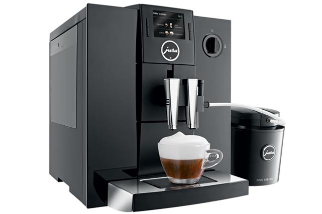 <strong>Espresso perfecto</strong> La Jura Impressa F8 est maintenant commercialisée au Québec. Ce petit bijou haut de gamme saura satisfaire les amateurs de café les plus exigeants. Prix : 2499,95 $. edika.com ()