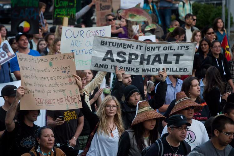 Des manifestatnts ont marché contre le projet de... (Photo: PC)