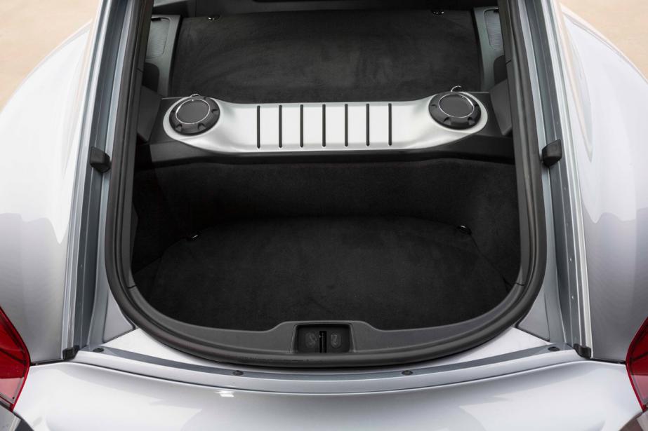 Le coffre de la Porsche Cayman GT4 (Photo fournie par le constructeur)