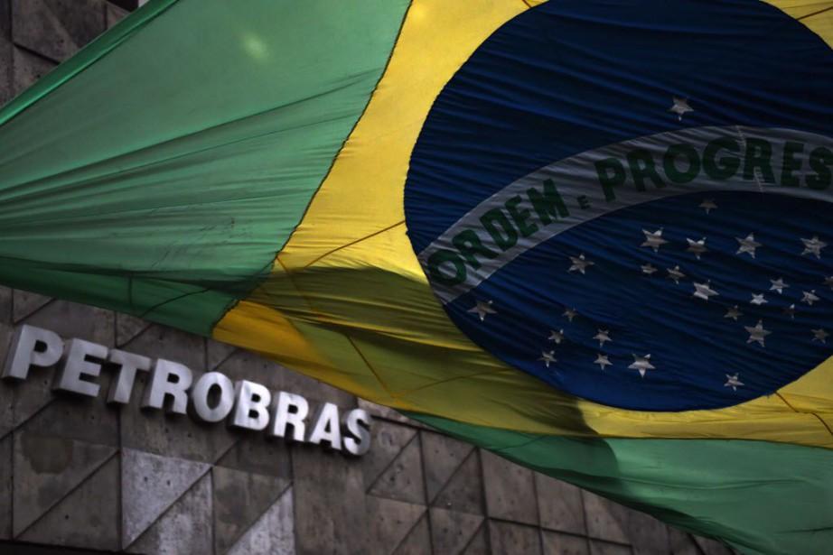 Le scandale Petrobras implique la plus grande entreprise... (PHOTO VANDERLEI ALMEIDA, AFP)