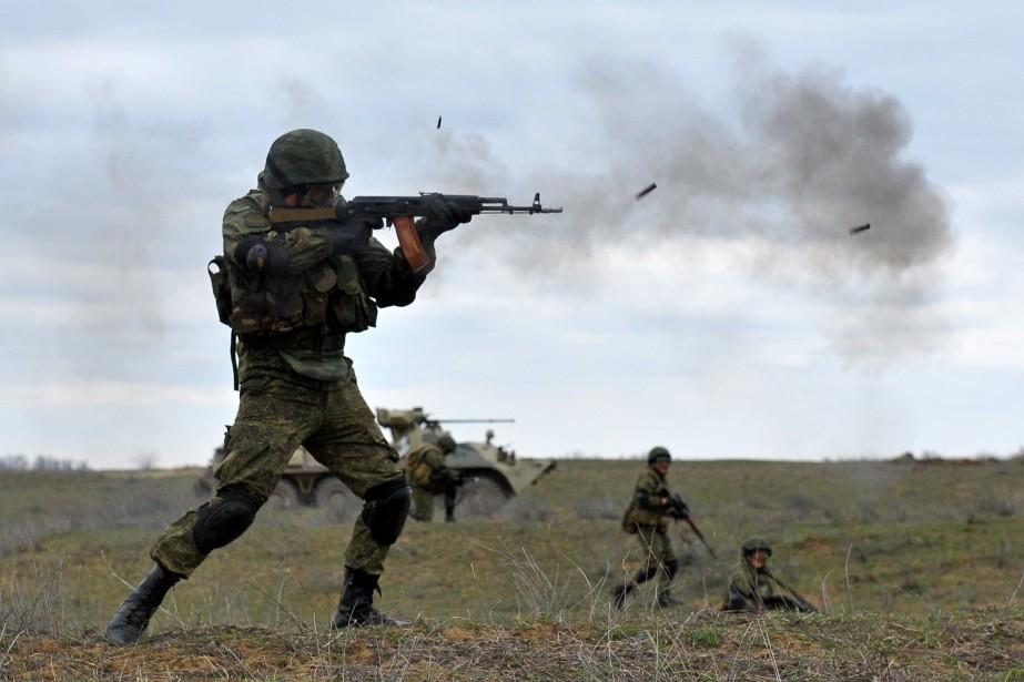 Les exercices ont commencé en fin de semaine... (PHOTO SERGEY VENYAVSKY, AFP)