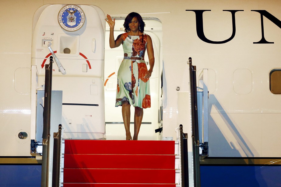 Michelle Obama à son arrivée à l'aéroport Siem Reap.... (Photo Wong Maye-E, AP)