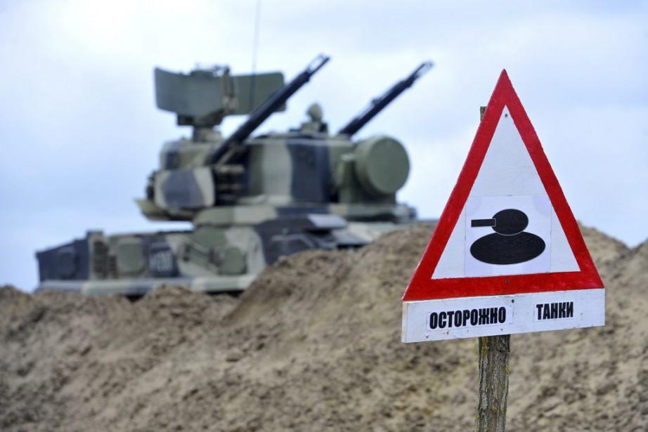 Les manoeuvres russes, vivement critiquées par les pays... (PHOTO SERGEY VENYAVSKY, AFP)