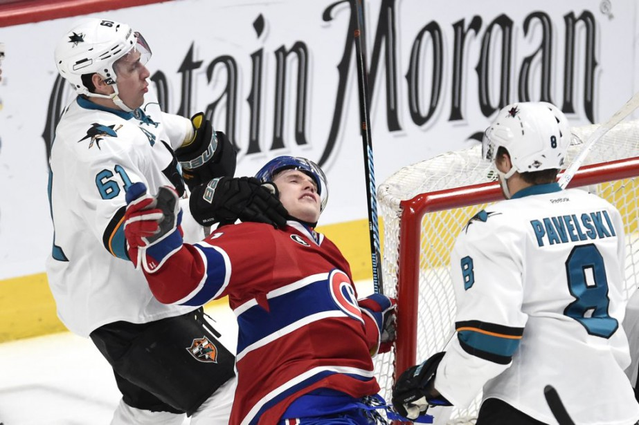 Justin Braun neutralise Brendan Gallagher. (PHOTO BERNARD BRAULT, LA PRESSE)