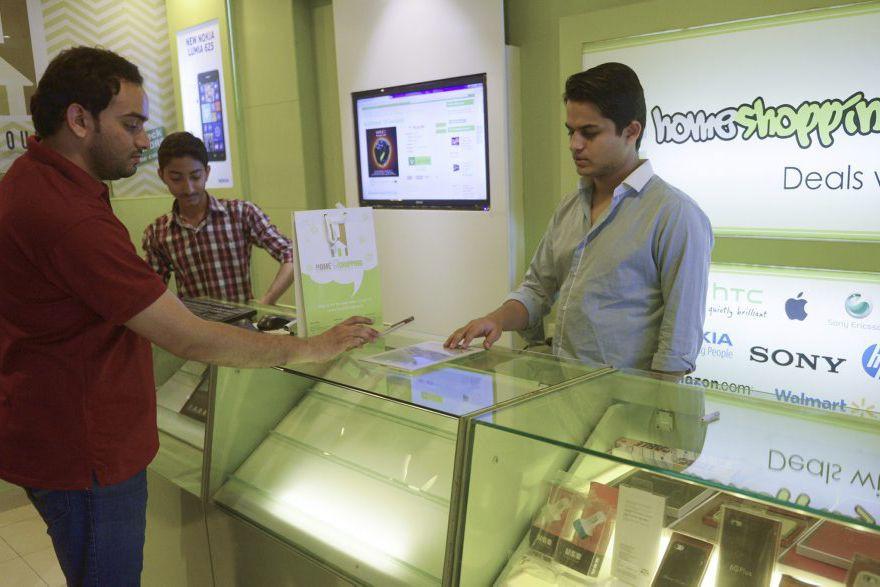Shayaan Tahir alancé modestement homeshopping.pk, un site de... (PHOTO RIZWAN TABASSUM, AFP)