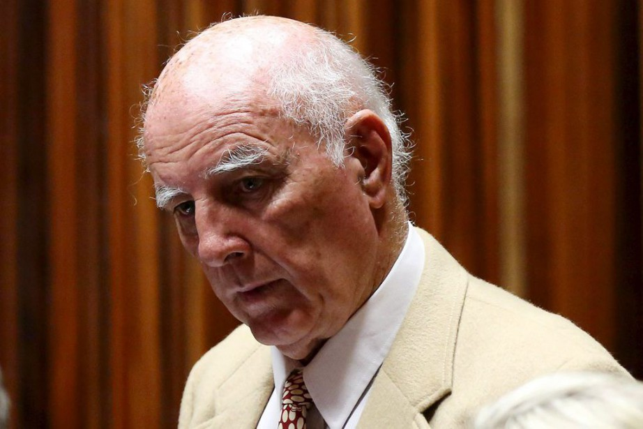 Bob Hewitt... (PHOTO SIPHIWE SIBEKO, REUTERS)