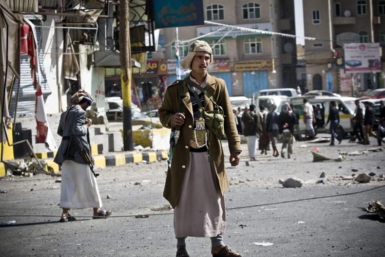 Les Houthis ont envoyé des renforts vers le... (Photo: AP)