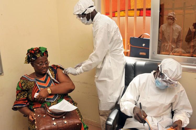 Le VSV-EBOV, l'un des deux vaccins les plus... (Photo: AFP)