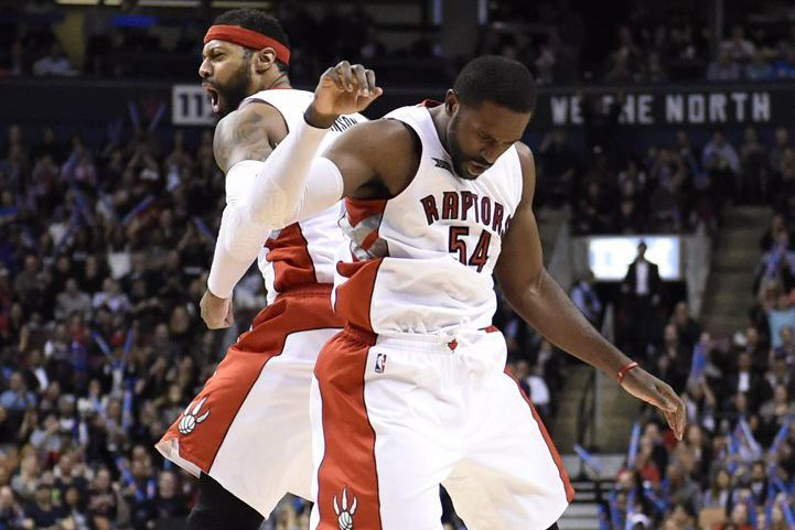 James Johnson et Patrick Patterson... (PHOTO FRANK GUNN, LA PRESSE CANADIENNE)