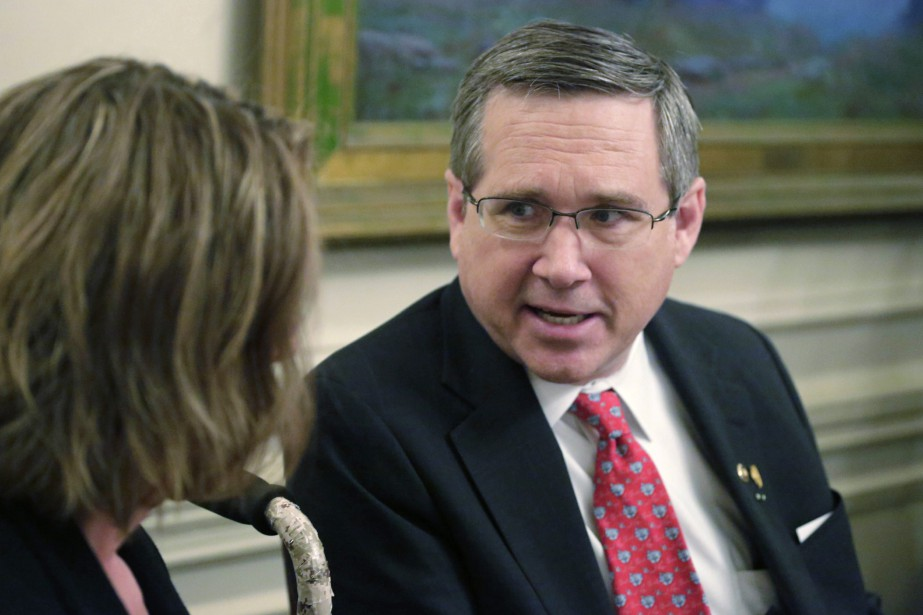 Le sénateur républicain Mark Kirk... (PHOTO M. SPENCER GREEN, AP)