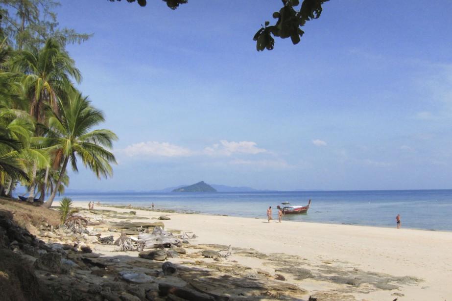 Sur la plage de Ko Bulon Lae, on... (Photo Rodolphe Lasnes, collaboration spéciale)