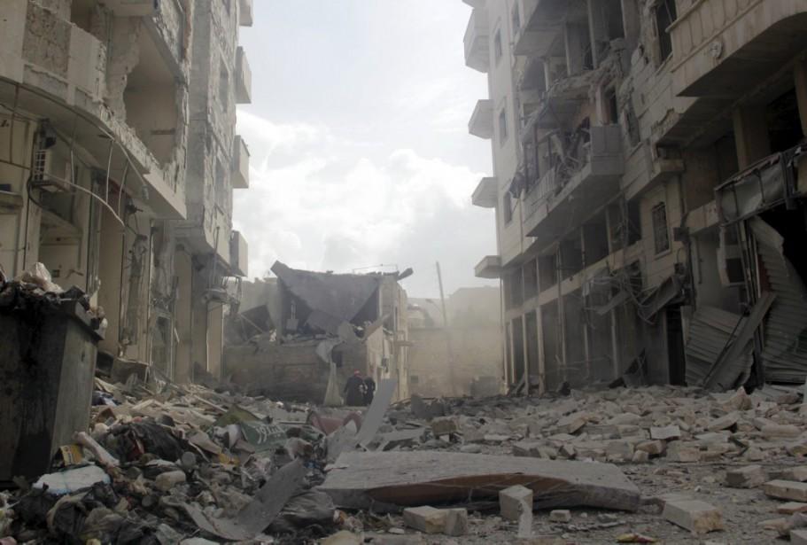 Des groupes rebelles aidés par la branche syrienne d'Al-Qaïda... (Photo Reuters)