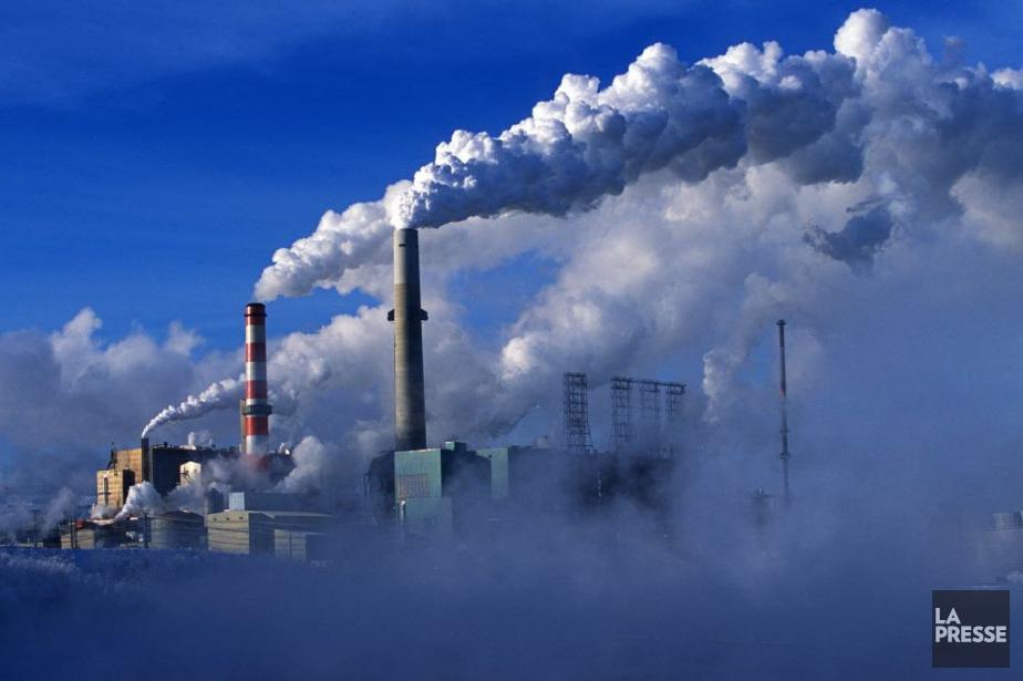 L'exploitation des champs pétrolifères de l'Alberta, un des... (Photo Gilles Toupin, archives La Presse)