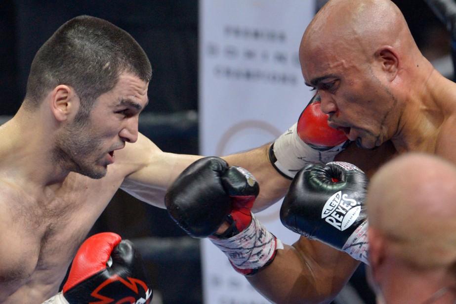 Artur Beterbiev (8-0) a gagné par K.-O. au 4e round contre Gabriel Campillo (25-7-1) (Le Soleil, Yan Doublet)