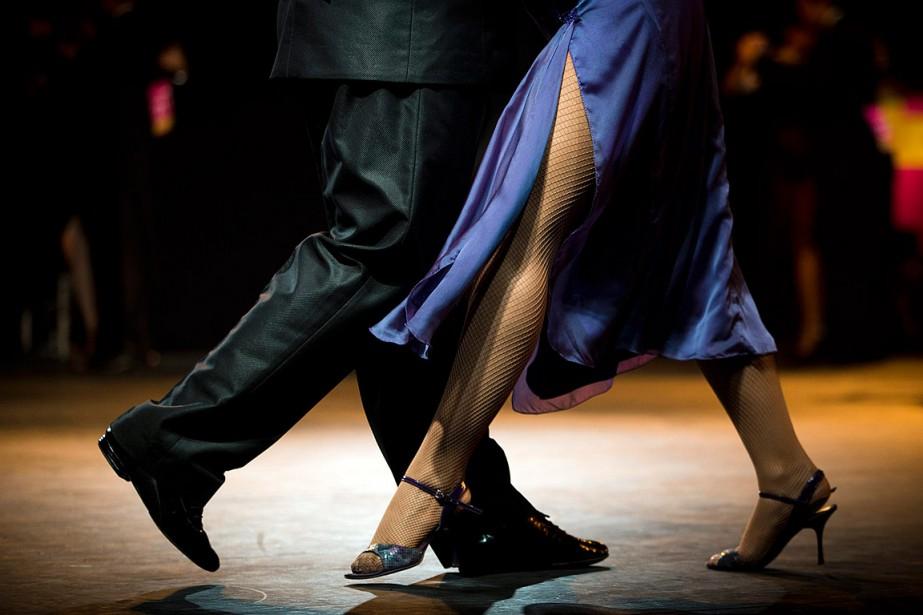 Le tango permet d'améliorer considérablement l'équilibre et la... (PHOTO VICTOR R. CAIVANO, ARCHIVES ASSOCIATED PRESS)
