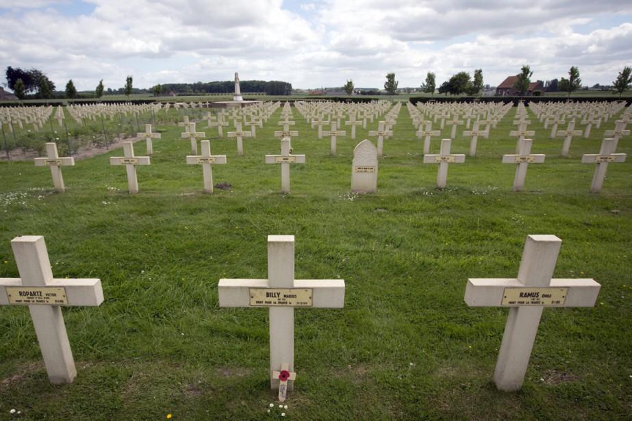 Les Restes D Un Soldat Canadien De La 2e Gm Identifi 233 S Aux