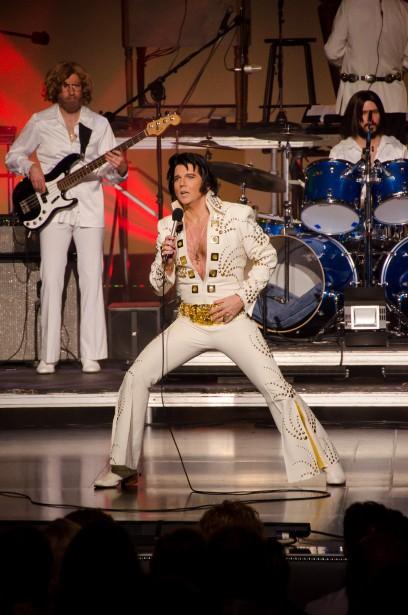 Le Québécois Martin Fontaine s'est produit sous les traits d'Elvis Presley, hier, à l'hôtel Westgate de Las Vegas. (Photo Roger Bennett)