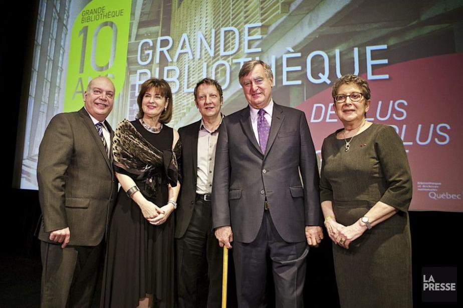 De gauche à droite: Robert Poëti, ministre des... (Photo: André Pichette, La Presse)