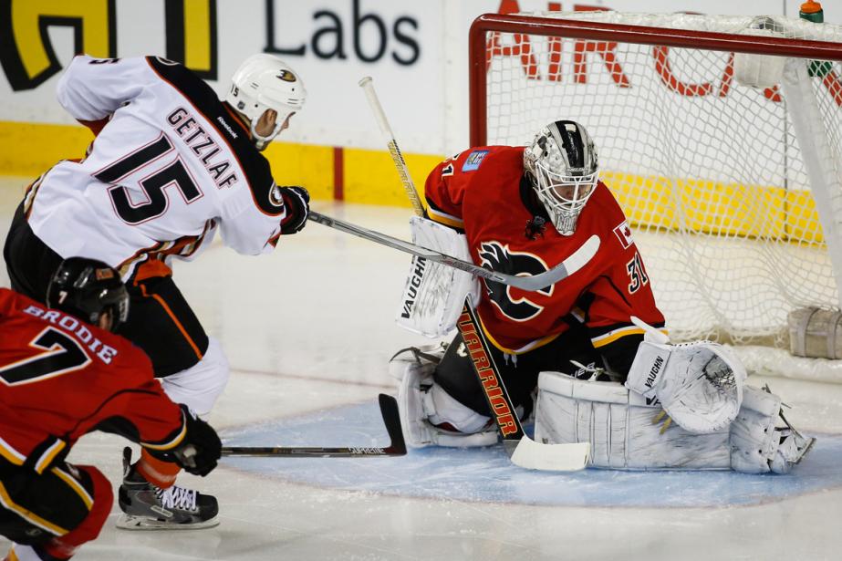 Comparés aux Canucks, que les Flames ont battus... (Photo Jeff McIntosh, archives PC)