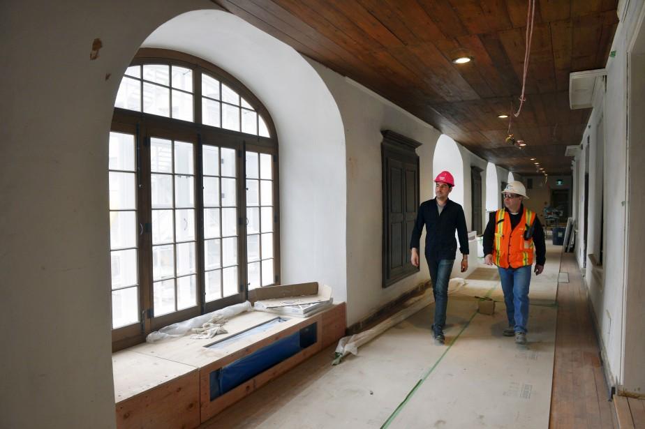 À l'étage du cloître, les architectes ont élargi les fenêtres pour qu'elles retrouvent leurs dimensions d'origine. Elles avaient été rétrécies vers 1880 car «les soeurs étaient tannées de geler!» indique l'architecte directeur du projet, Bernard Serge Gagné. (Le Soleil, Jean-Marie Villeneuve)