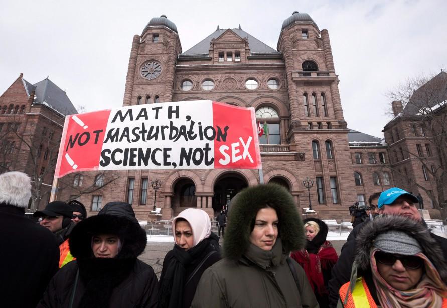 Le nouveau programme d'éducation sexuelle a créé un... (PHOTO DARREN CALABRESE, LA PRESSE CANADIENNE)