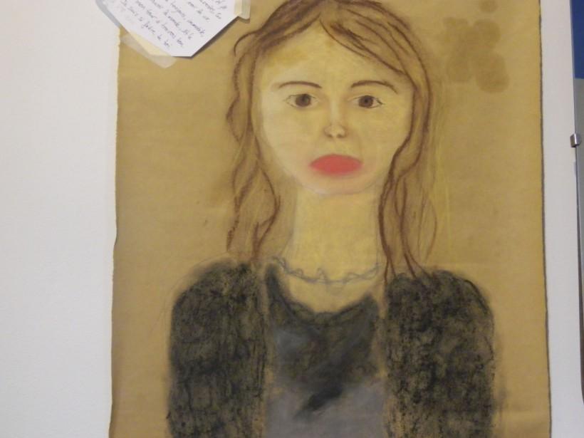Le portrait réalisé par ma fille Ariane Rose lorsqu'elle avait huit ans me ramène à un avant-midi tout spécial. Le centre d'art Maison Blanchette, à Cap-Rouge, avait organisé un atelier mère-fille. Le cours durait trois heures et expliquait aux filles les rudiments du portrait au pastel gras. Ariane et moi avons vécu un moment magique, complices. <em><strong>- Annie Paré</strong></em> ()