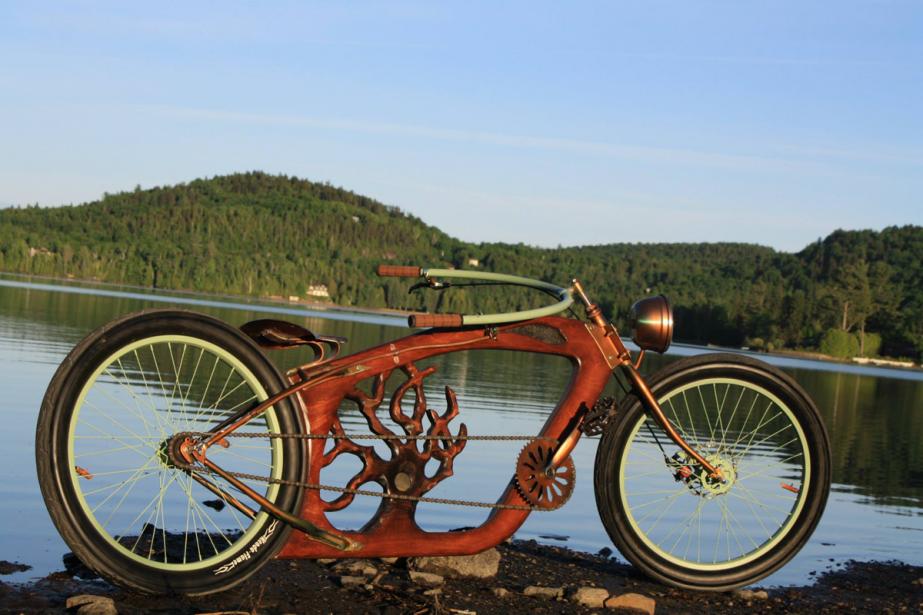 Les vélos de Woodcycles Lesage roulent, tous sans exception, mais ce sont d'abord des oeuvres d'art, comme le Number Tree et son arbre sculpté au coeur du cadre. (Photo fournie par Stéfan Lesage)