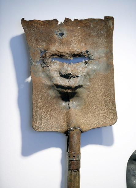 <em>Femme de Pékin</em>, 1995, acier trempé, chauffé et martelé, collection de l'artiste (Le Soleil, Jean-Marie Villeneuve)