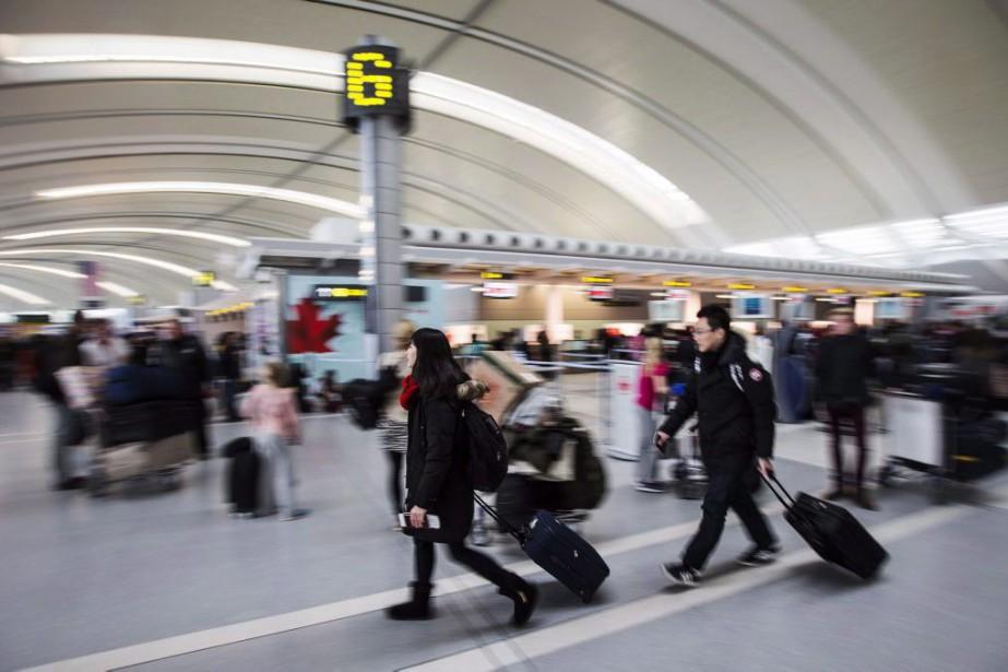 plus récent a2a32 7ca44 Dimensions des bagages à main: Air Canada serre la vis