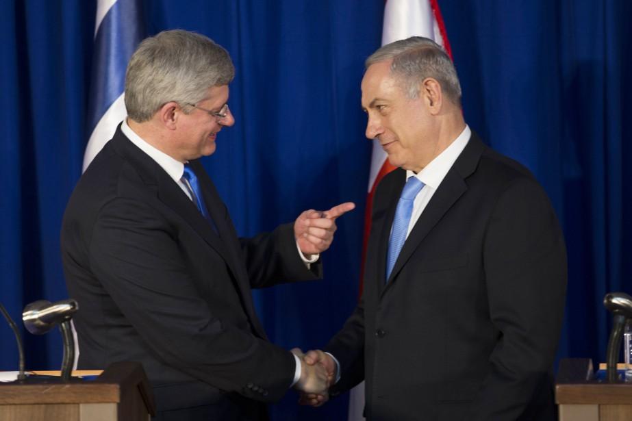 Stephen Harper et Benyamin Nétanyahou... (Photo RONEN ZVULUN, archives Reuters)