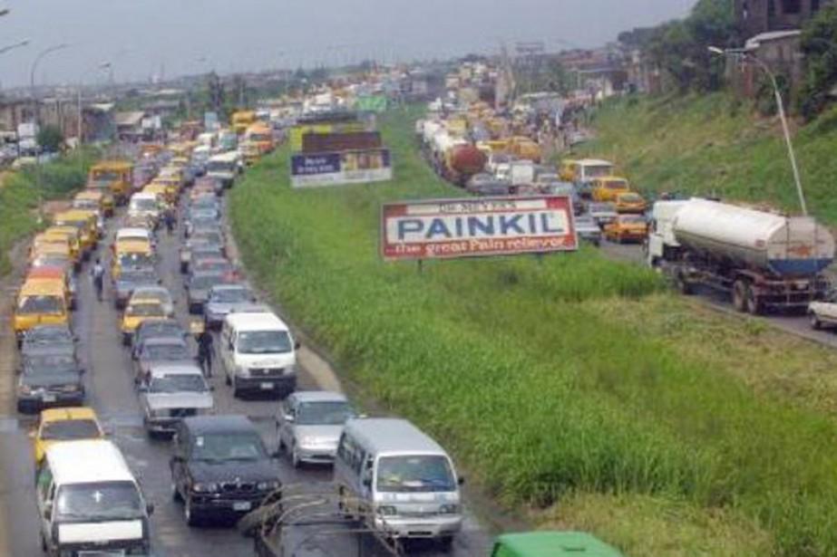 Les accidents de la route sont très fréquents... (PHOTO PIUS UTOMI EKPEI, ARCHIVES AFP/MODERNGHANA.COM)